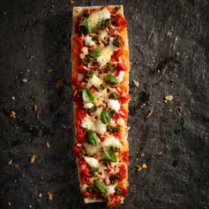 Hush pizzabroodje caprese